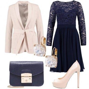 Outfit L\'abito romantico e sensuale