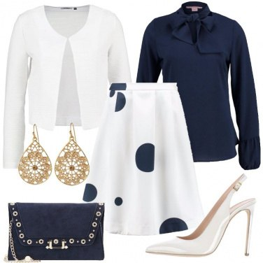 Outfit Chic in bianco e blu