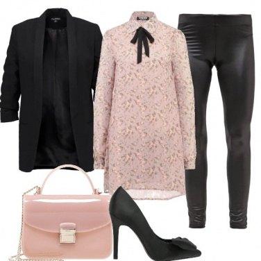 Outfit Mini abito con fiocco