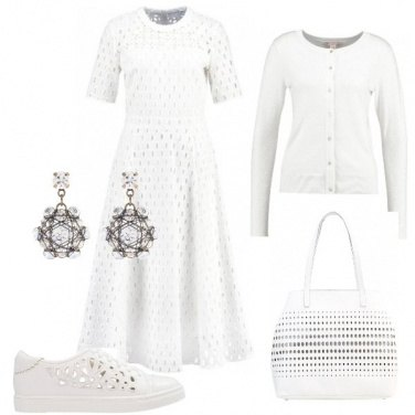 Outfit Bianco e traforato