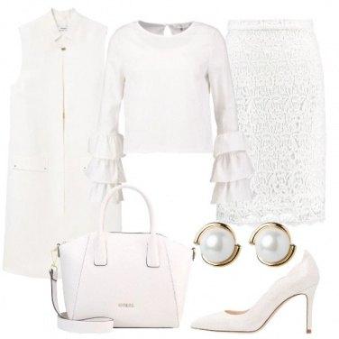 Outfit Monocolore movimentato