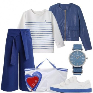 Outfit Azzurro, bianco e righe