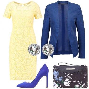 Outfit Cerimonia con i tacchi blu