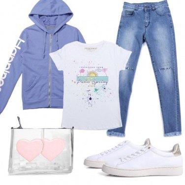 Outfit Felpa con cappuccio e jeans