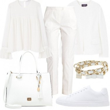 Outfit Bianco in primo piano