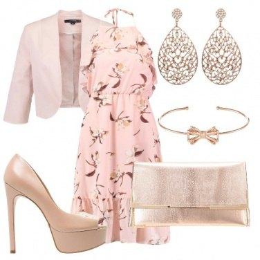Outfit Più o meno rosa
