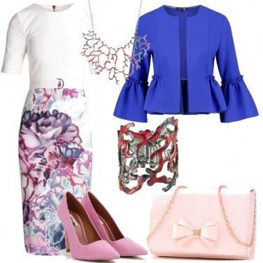 Outfit Fiori e coralli