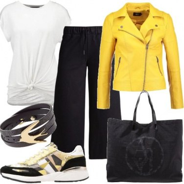 Outfit Giallo è casual