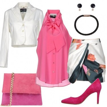 Outfit Una minigonna floreale