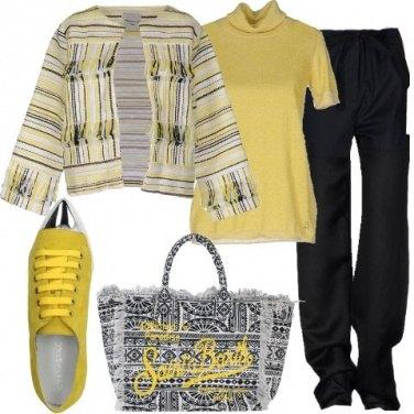 Outfit Giallo e frange