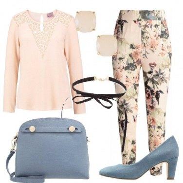 Outfit Fiori e colori pastello