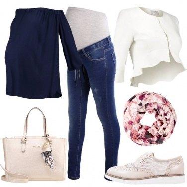 Outfit Semplice e bella con il pancione
