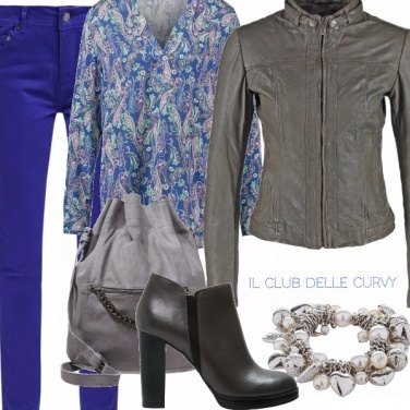 Outfit Curvy in blue