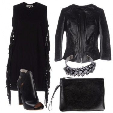 Outfit Total black con le frange