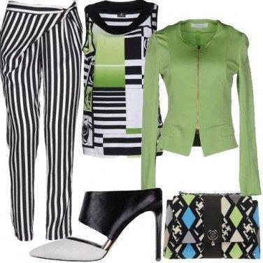 Outfit Schematica anticonformista