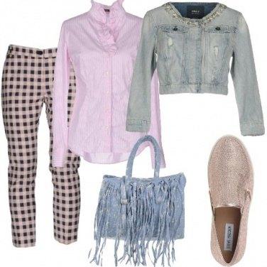Outfit Quadri, righe e frange