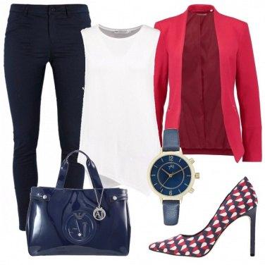 Outfit Blu e rossa in ufficio