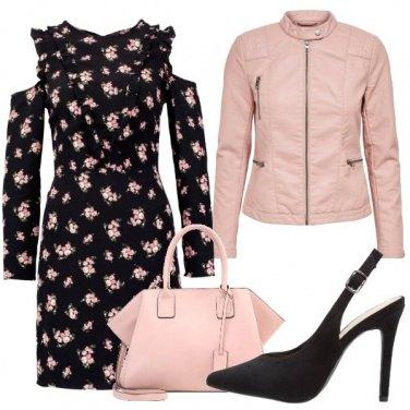Outfit Delicate rose e spalle sensuali