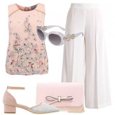 Outfit Elegante con un tacco midi