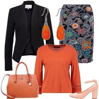 Outfit Fiori in arancio