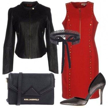 Outfit L\'abito rosso con le borchie