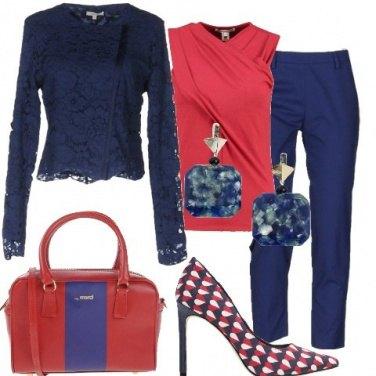 Outfit Decisa in blu e rosso