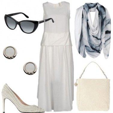 Outfit Bianco con un po\' di blu