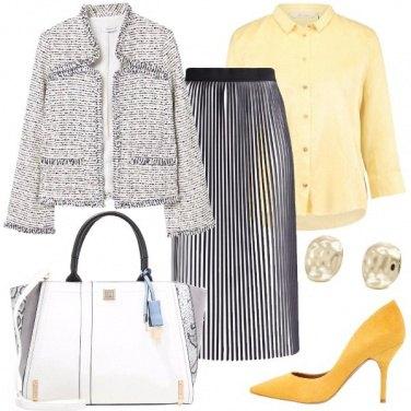 Outfit Adoro i dettagli in giallo