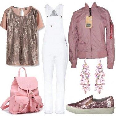 Outfit A scuola in salopette e paillettes