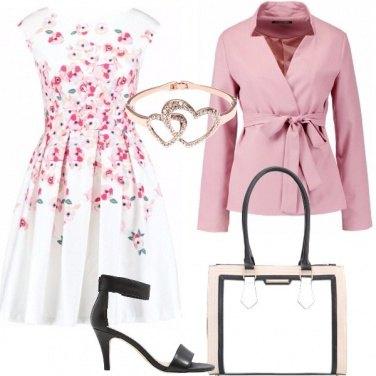 Outfit Semplice e romantica