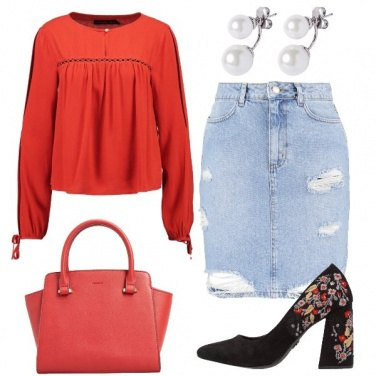 Outfit Rosso in primo piano