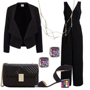 Outfit Nero e tocchi di colore