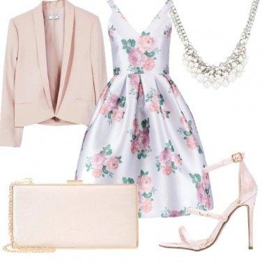 Outfit Abito a fantasia floreale