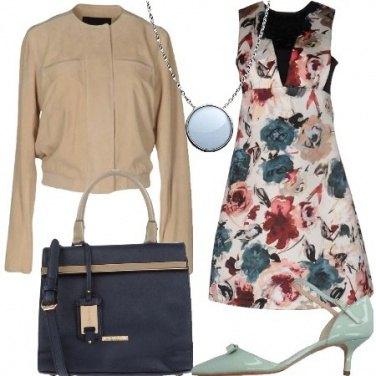 Outfit Sobria con i fiori