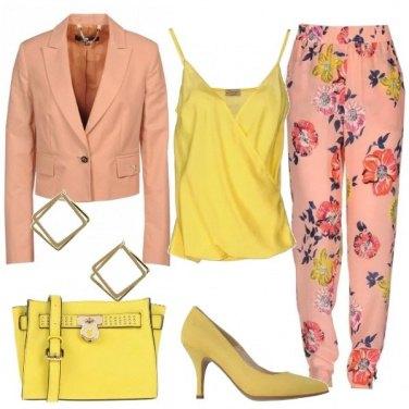 Outfit Elegante a fiori