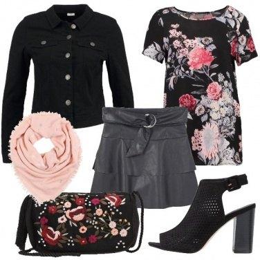 Outfit Sandali e sciarpa