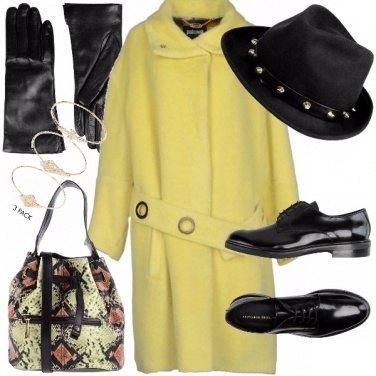 Outfit Il caldo del giallo