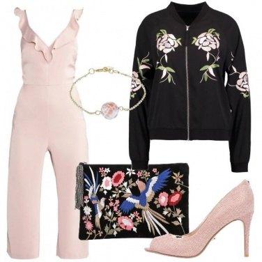 Outfit Ricami e rosa