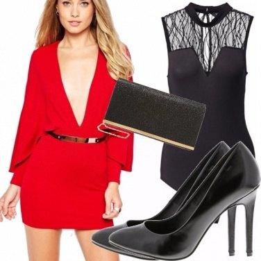 Outfit Una femminilita\' audace