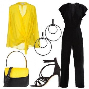 Outfit Misterioso nero e giallo energetico