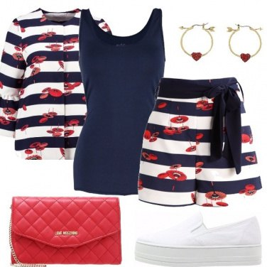 Outfit Blu rosso e bianco