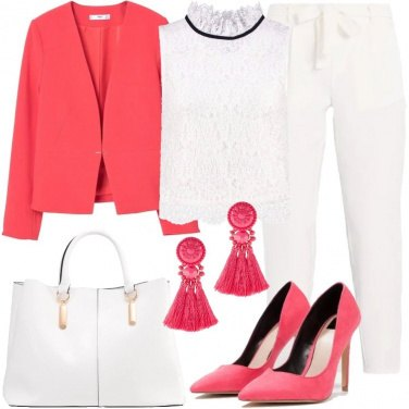 Outfit Tailleur bianco e rosa