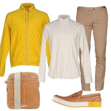 Outfit Portiamo il giallo in ufficio