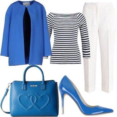 Outfit Un blu insolito