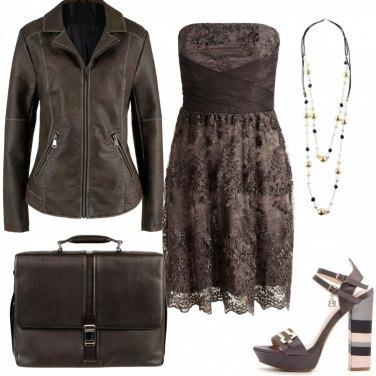 545b32813b7e Outfit Rock Donna - Trova il tuo outfit rock su Bantoa