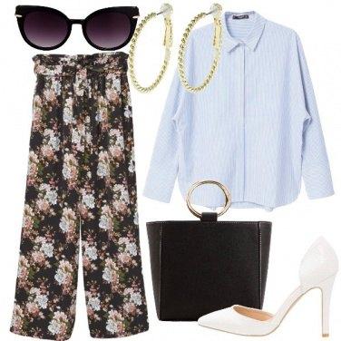 Outfit Fiori e bastonetto