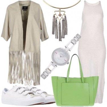 Outfit L\'abito longuette con le sneakers