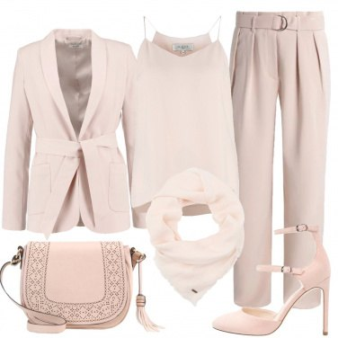 Outfit Tailleur monocromo