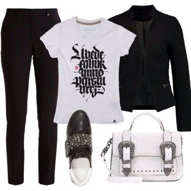 Outfit La t-shirt di tendenza