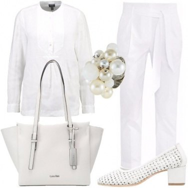 Outfit Riunione in bianco
